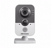 IP-камера Hikvision DS-2CD2422F-IW